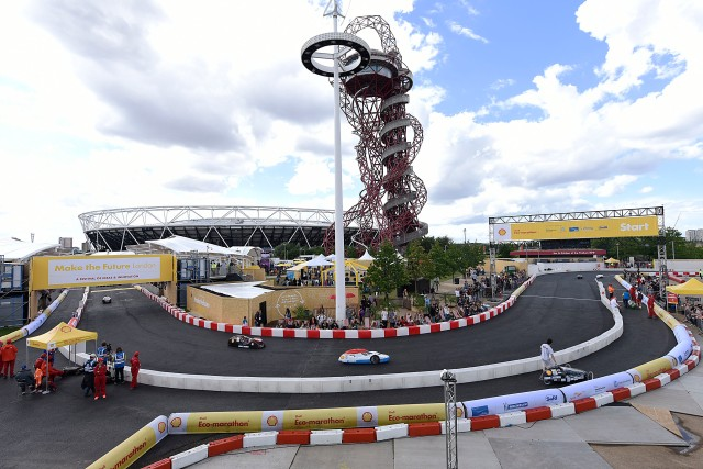 Cars race on the track during Make the Future London 2016 at the Queen Elizabeth Olympic Park, Saturday, July 2, 2016 in London, UK. (Dave Jensen for Shell)